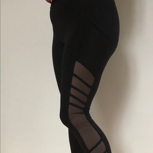 Lululemon black yoga pants size 8